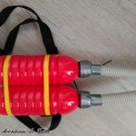 Disfraz de Bombero Casero - Detalle mochila con manguera