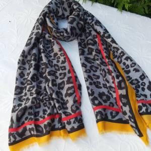 Fular leopardo mostaza las caprichosas