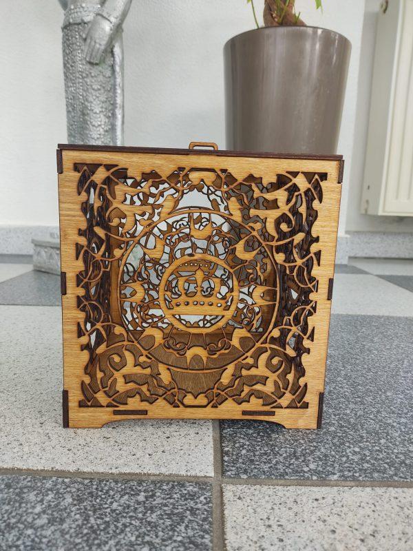 hochzeitsdeko-aus-holz-geschenkbox-vorne-braun