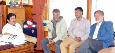 Alejandro Guillier y su equipo con alcalde Emilio Jorquera