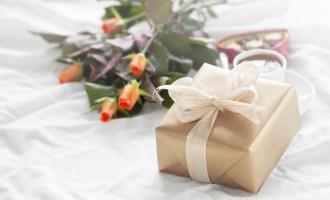 Cadeaux de Noël avec des roses