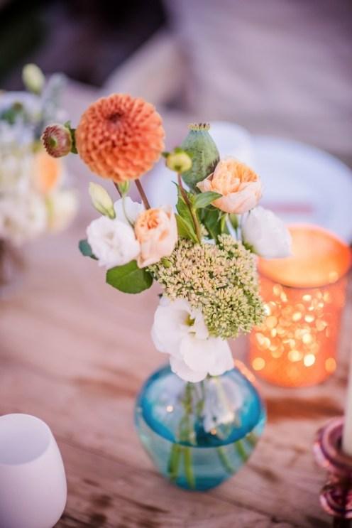 Fleurs orange pêche blanc