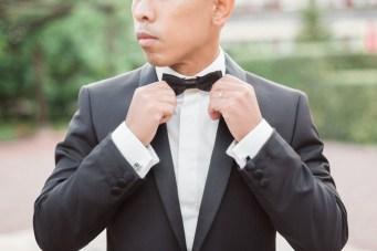 Marié en costume noir