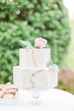 Gâteau de mariage doré