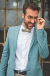 Marié en veste bleu