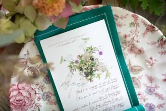 Papeterie de mariage émeraude et violette