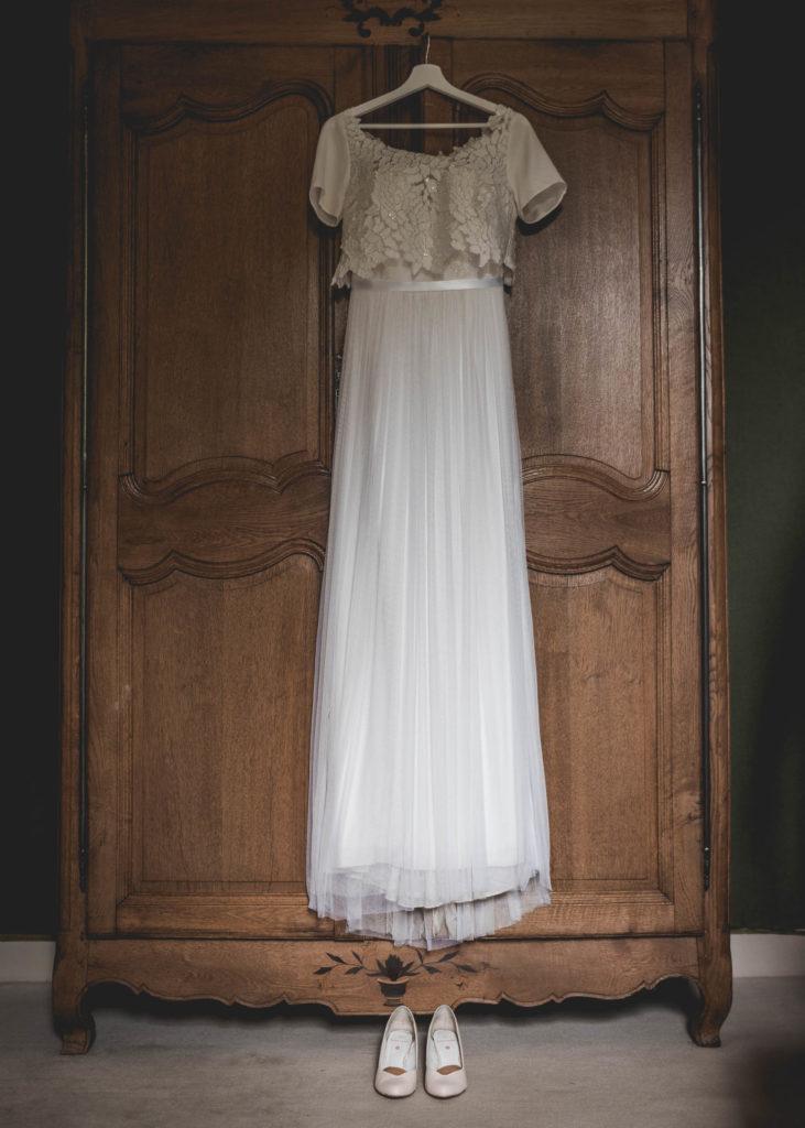 robe-de-mariee-suspendue-chateau-rairie