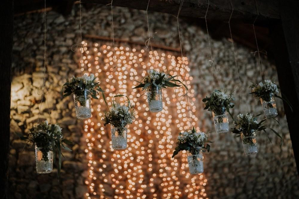 decoration-mariage-rideuax-lumineux-suspensions-fleuries