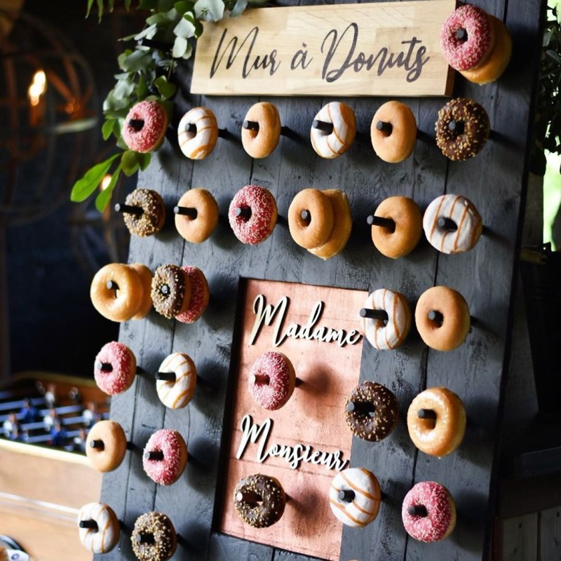 mur-donuts-mariage-bretagne-nantes-dessine-moi-un-cake