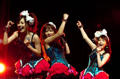Morning Musume pumps up the audience.  Image property and courtesy of Anime Expo 2009/SPJA