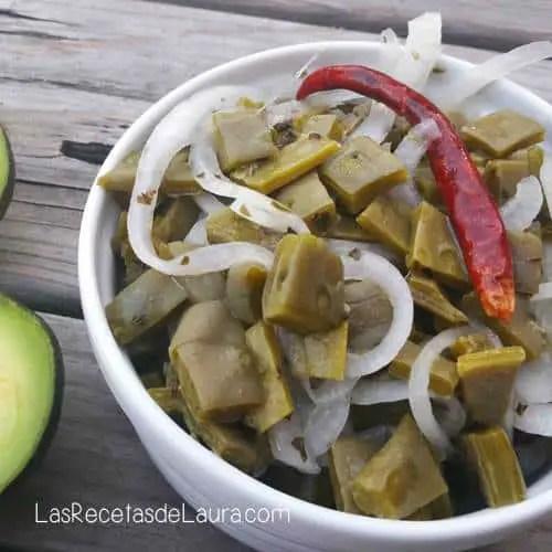 Ensalada de Nopales Saludable | Las Recetas de Laura