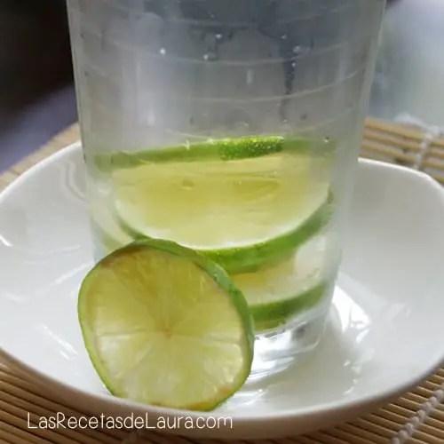 Agua con esencia de limón - las recetas de Laura
