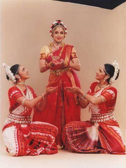 Image result for hema malini daughters bharatnatyam