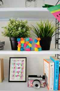 DIY: mini pompon letters