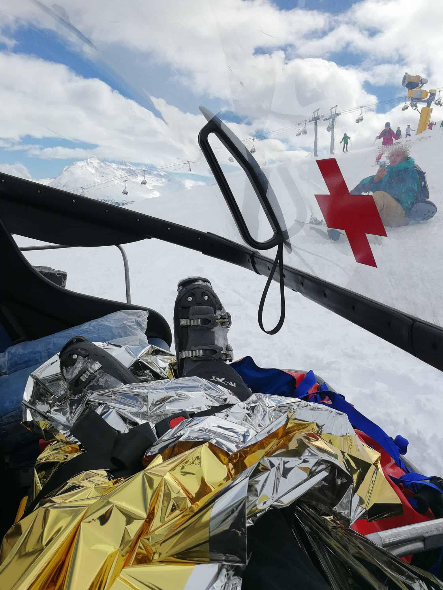 Diary week 11:  hoe ik met loeiende sirenes van de ski piste afgehaald werd..
