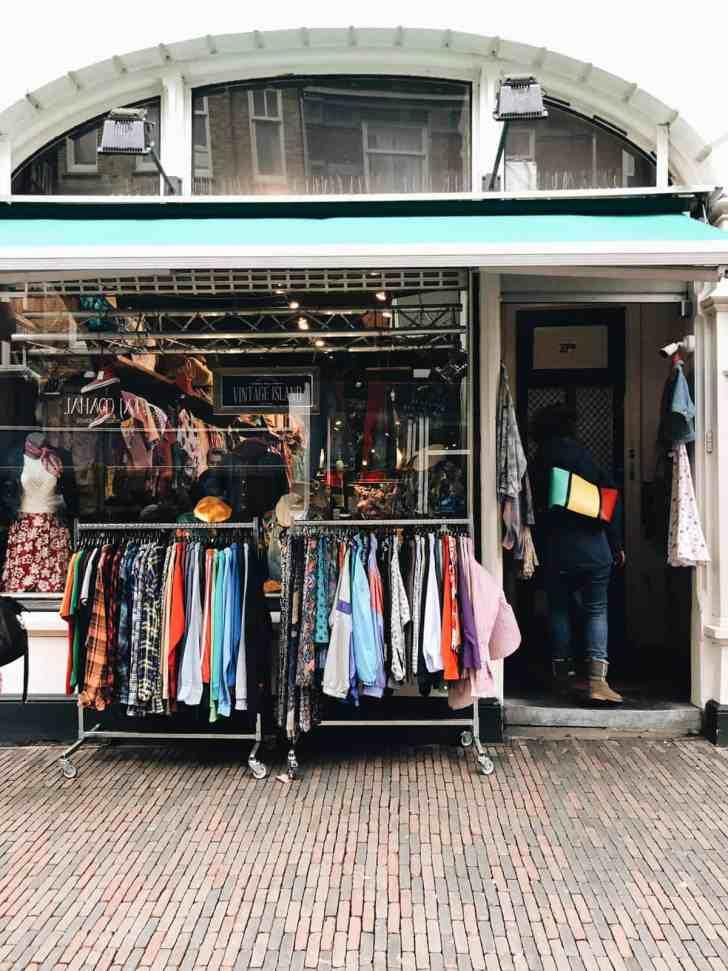 366df76fab5b11 Mijn favoriete vintage   tweedehandswinkels in Utrecht -