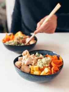 Recept: gezonde pokébowl met kip en quinoa