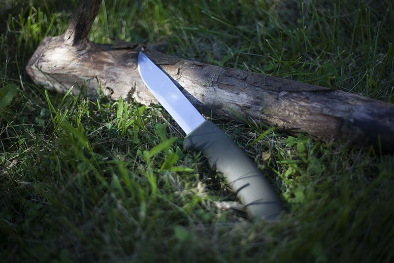 Test couteau Mora 2010 Bushcraft Forest.