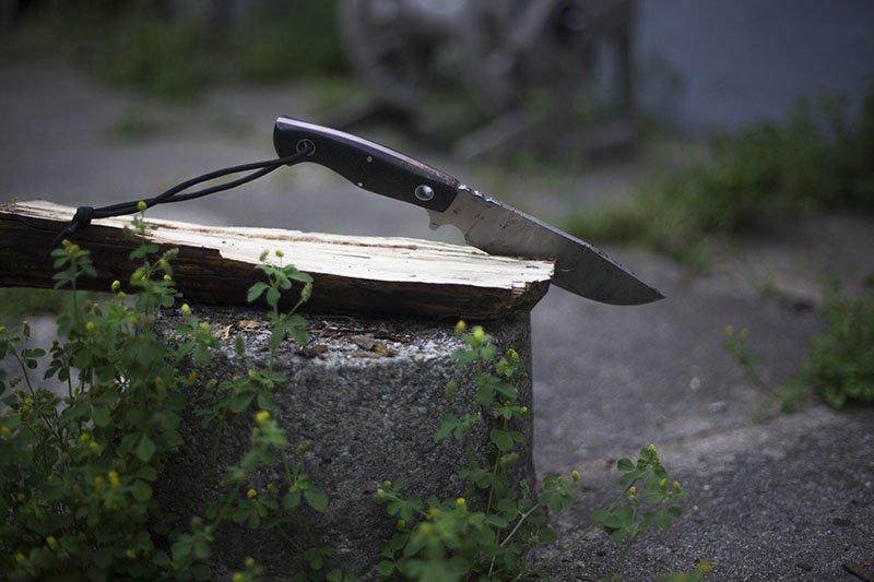 Test de couteau de survie Boker Plus Voxknives Rold.