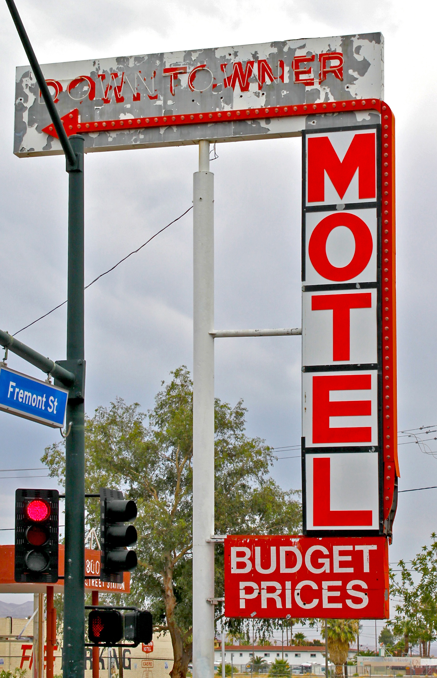 Daily Neon Faded Downtowner Motel Neon Sign Las Vegas 360