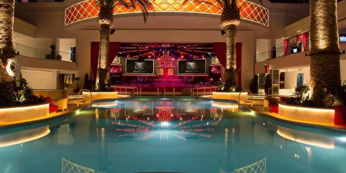 The cromwell las vegas pool 2