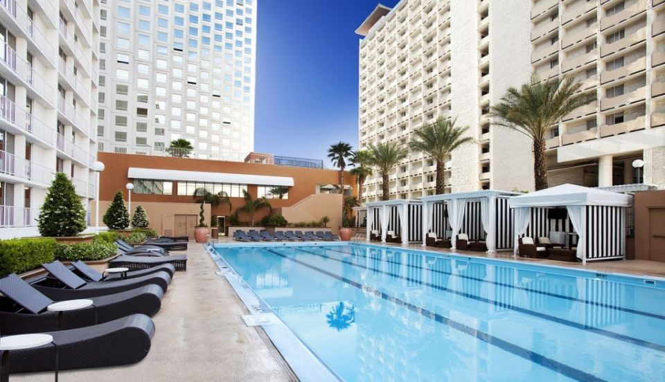 Harrah's Las Vegas Pool