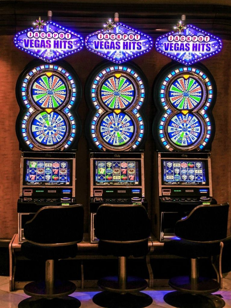 wheel of fortune type slot machines allow you to play side games