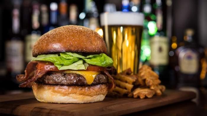 Paris Las Vegas Burger Brasserie
