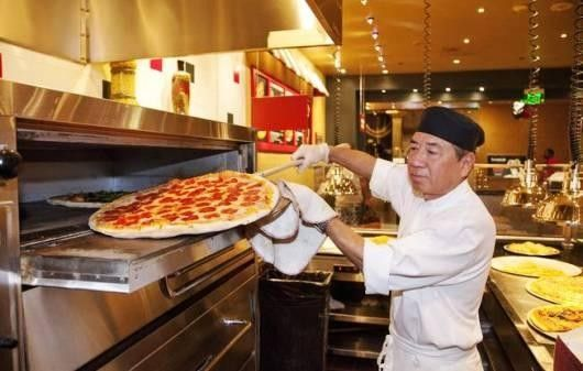 Treasure Island Las Vegas Pizzeria Francesco's