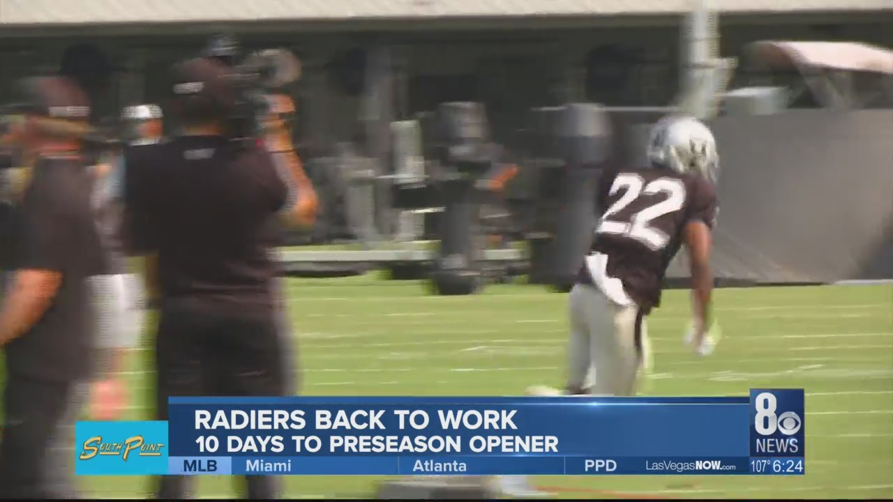 Raiders continue training camp without All-Pro Mack