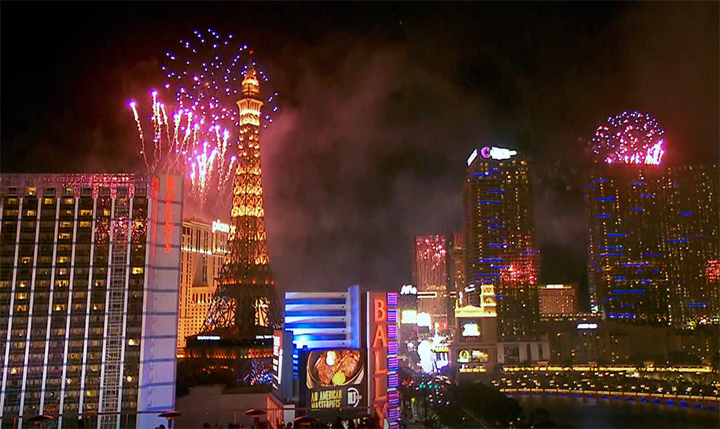fireworks_1_700_1546331482463.jpg
