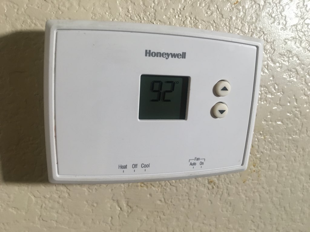 A/C broken at apartment complex in North Las Vegas