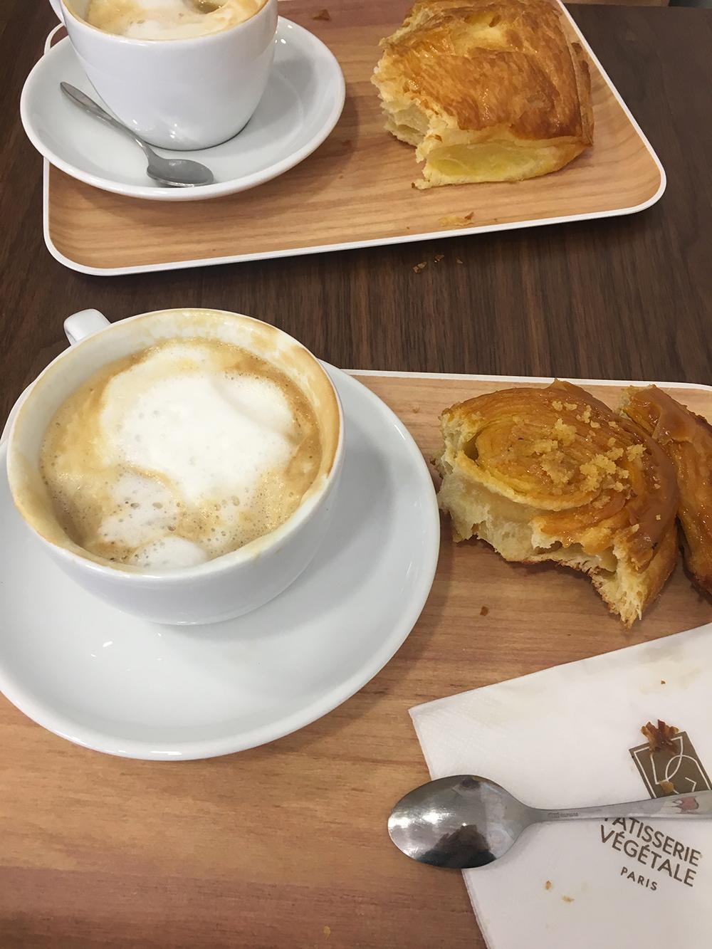 Petit déjeuner à la pâtisserie VG Pâtisserie.