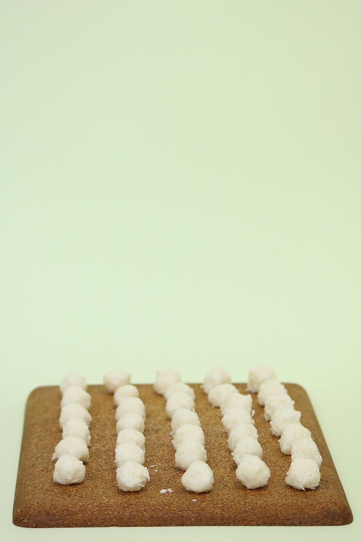Voici l'étape de la préparation des boules chocolat coco vegan, sans gluten, sans sucre raffiné, façon Bounty