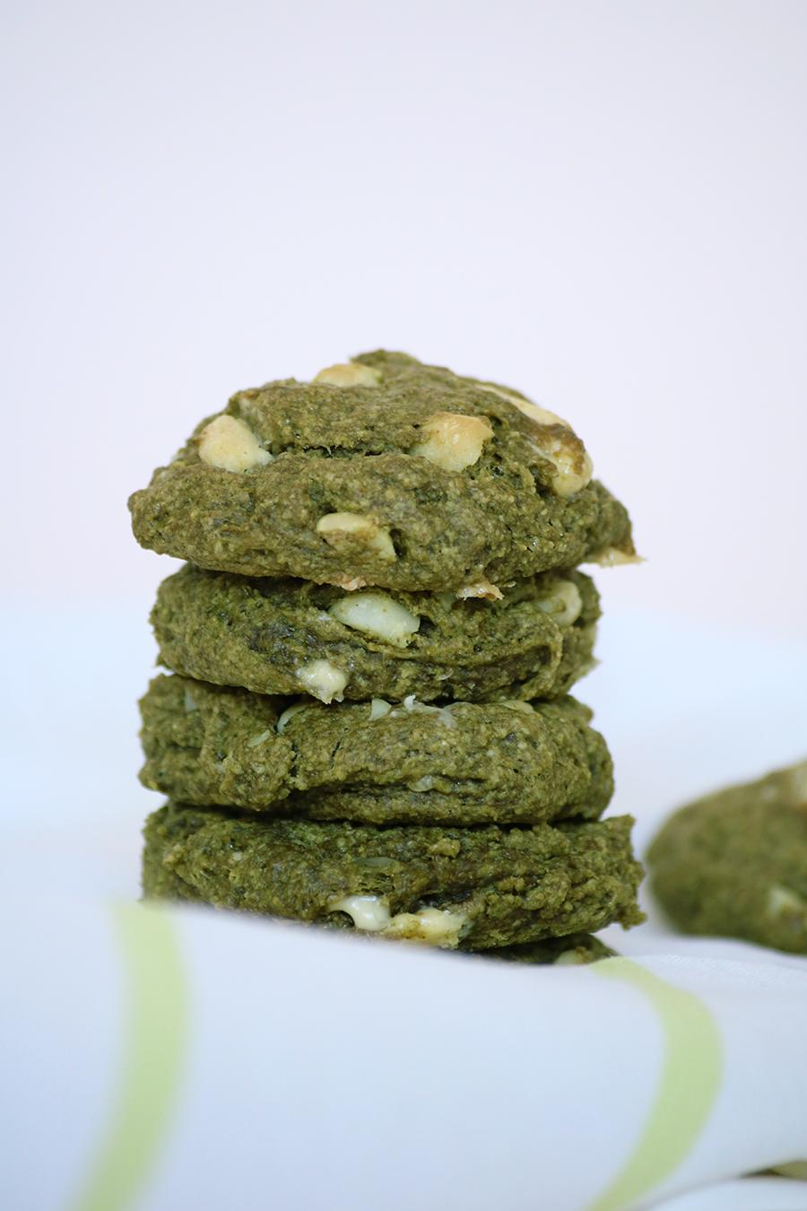 Voici ma recette de cookies au thé vert matcha, vegan et sans gluten.