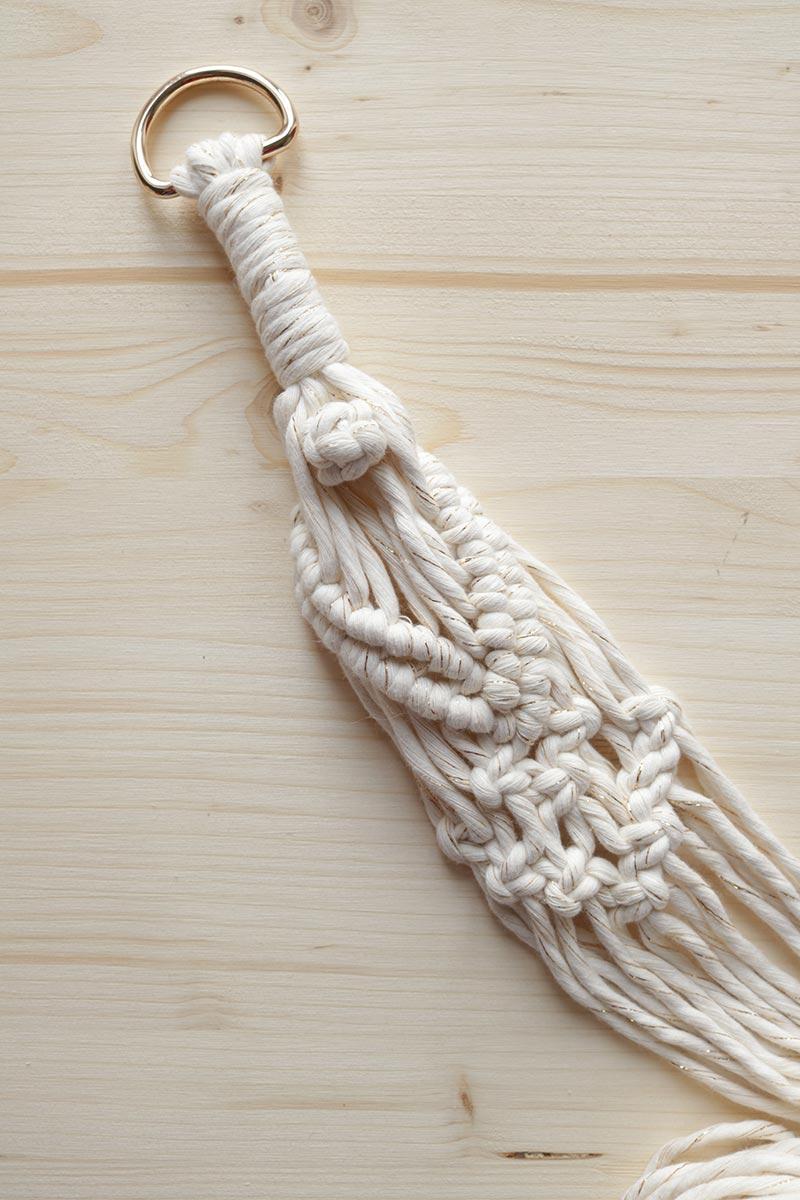 Suspension macramé en coton recyclé couleur crème et doré