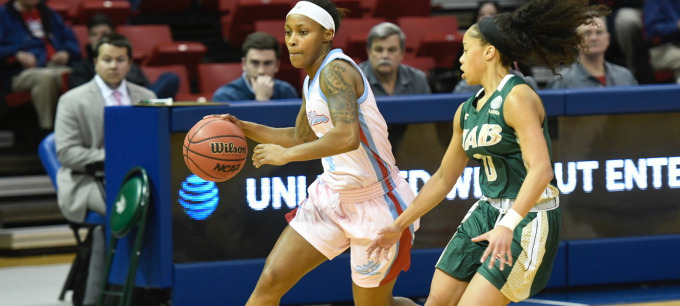 UAB hits late threes to down Lady Techsters