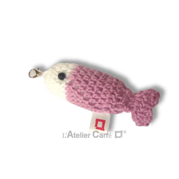 poisson-bicolore-crochet-rose-poudre