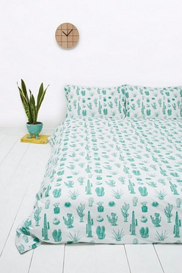 http://www.urbanoutfitters.com/fr/catalog/productdetail.jsp?id=5532446390027&category=BEDDING-EU