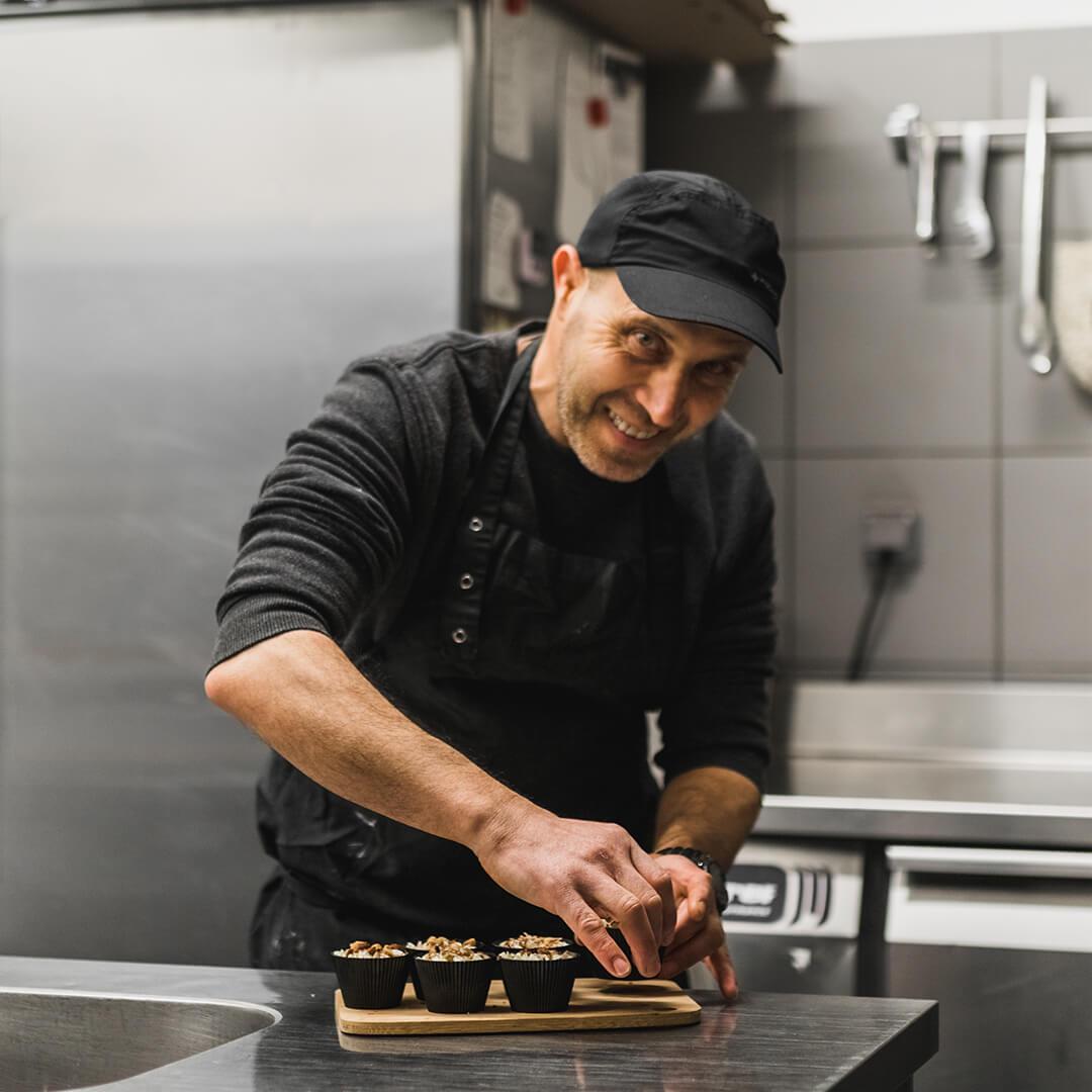 Tahaa BENYOUCEF - Apprenti pâtissier - L'Atelier du Chef - Traiteur Corse