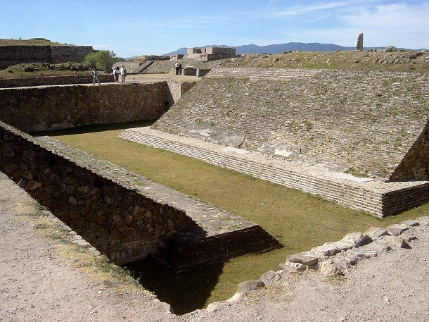 monument-Monte Alban, au Mexique