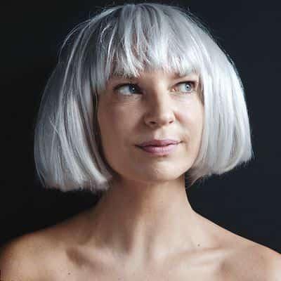 Sia – Chandelier (Music Video)