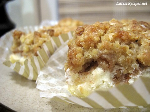 apple_cheesecake_streusel_bars