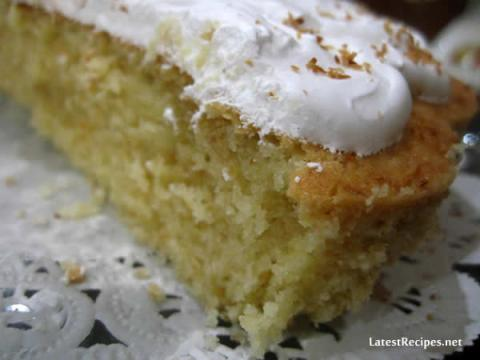 simple_coconut_cake_with_seven_minute_frosting