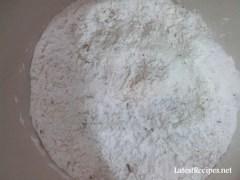 combine flour, herbs