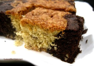 Vanilla-chocolate-marble-cake-with-walnuts-1