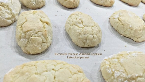 Ricciarelli (Sienese Almond Cookies)