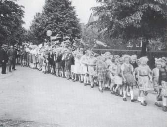 Einmarsch der Kinder