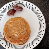 Eggless whole wheat banana dates pancake