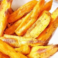 Air fryer Sweet potato fries - Vegan and Gluten-free snack